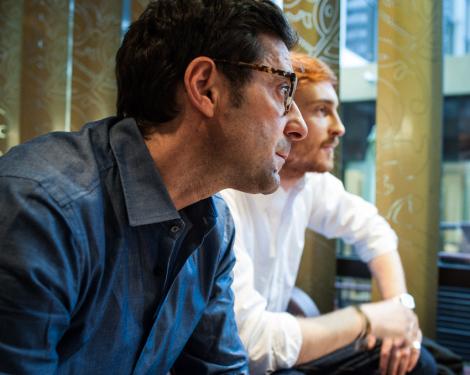 Stukenberg (hinten) und Avantario im Gespräch