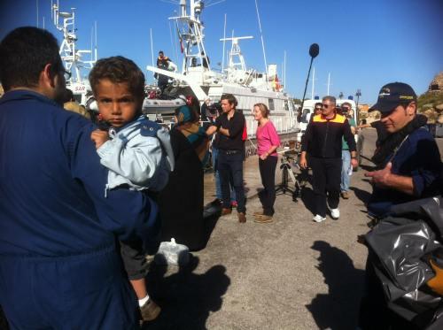 landung von flüchtlingen auf lampedusa