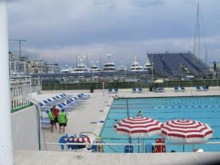 Schwimmbad an der Rennstrecke in Monte Carlo